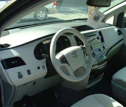 2011 Toyota Dash